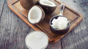 coconuts-coconut-oil-on-chopping-board-1296x728_0